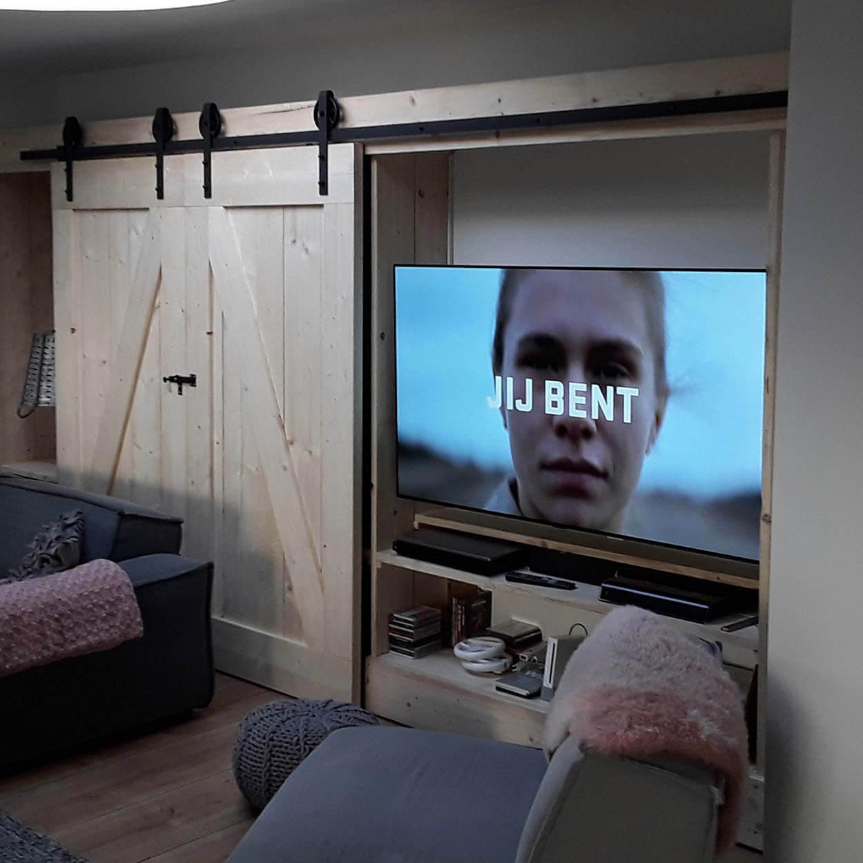 tv wand met schuifdeurkast